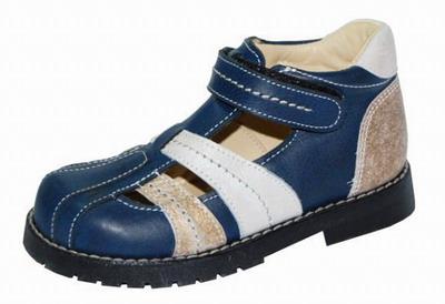 Застежка-липучка в детской обуви
